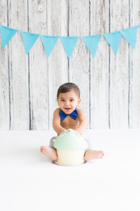 Baby photography   Cake Smash  Loomi Photography